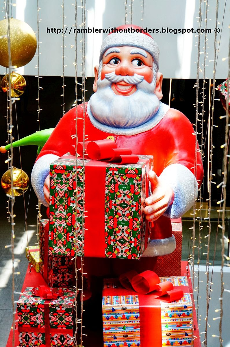 Santa Claus, Jem Shopping Centre, Singapore