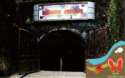 pintu masuk bunker jepang bukittinggi