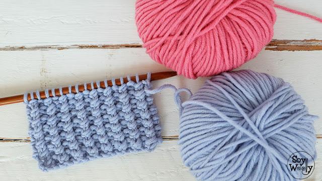 """fc634cd3c5f2d O Blog da DMC  Ponto fácil para tricotar roupa de bebé por """"Soy Woolly"""""""