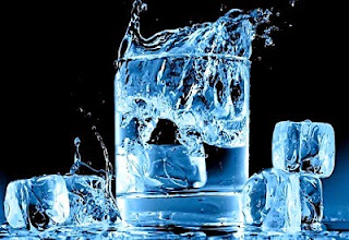 8 Manfaat Minum Air Es Untuk Kesehatan