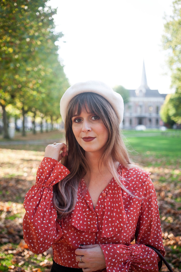 vintage fall outfit in beret and ruffled blouse