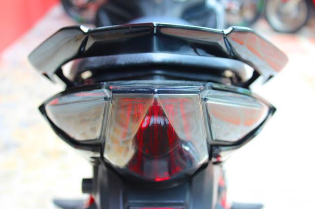 Sơn xe Exciter 2011 đỏ đen bóng bẩy cực đẹp