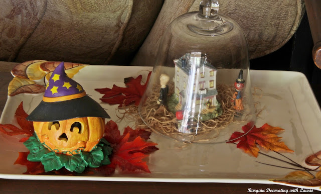 Halloween Vignettes-Bargain Decorating with Laurie