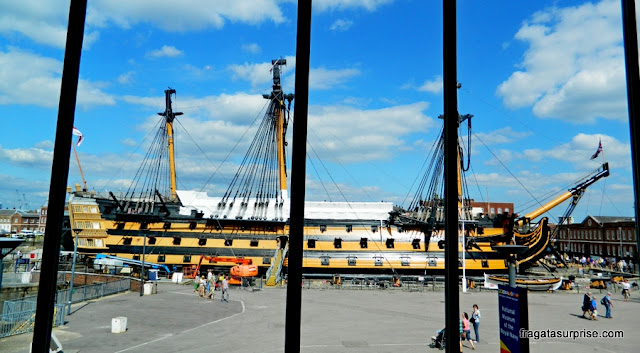 Navio HMS Victory, do almirante Nelson, exposto nos Estaleiros Históricos de Portsmouth, Inglaterra