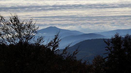 Ostra Hora - jeden ze szczytów Połoniny Równej położonej na Ukrainie.