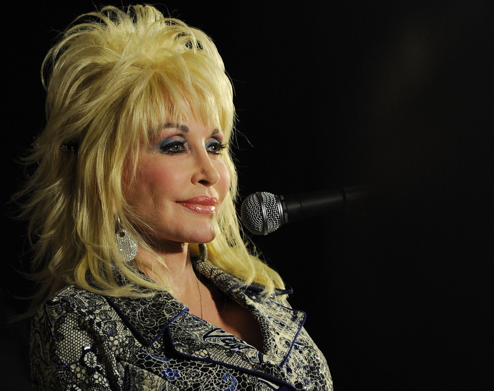 Dolly Parton: Starhooks * * *: April 2013