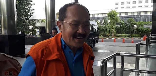 Fredrich Yakin KPK Tidak Bisa Panggil Reza Pahlevi