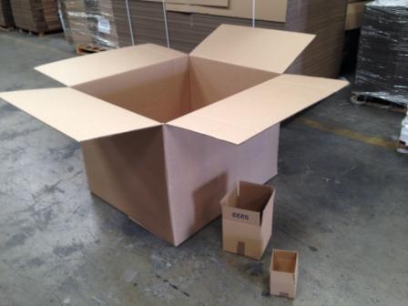 cajas de embalaje grandes y pequeñas