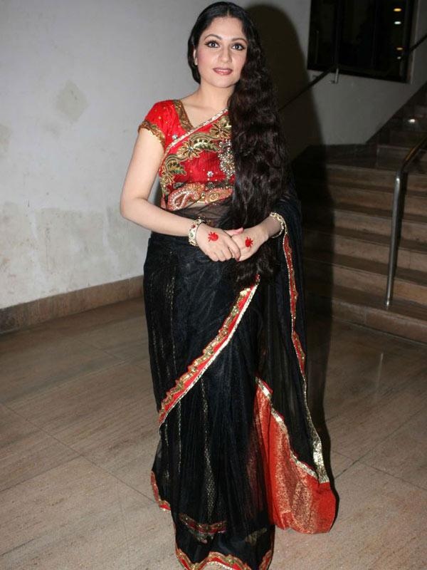 Indian Actress Gracy Singh Long hair In Black Saree