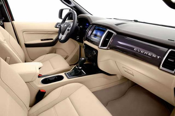 2016 Ford Everest interior