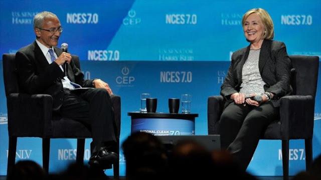 Wikileaks revela nuevos correos de Podesta vinculados a Clinton