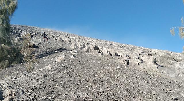 Trek Summit Attack Mahameru