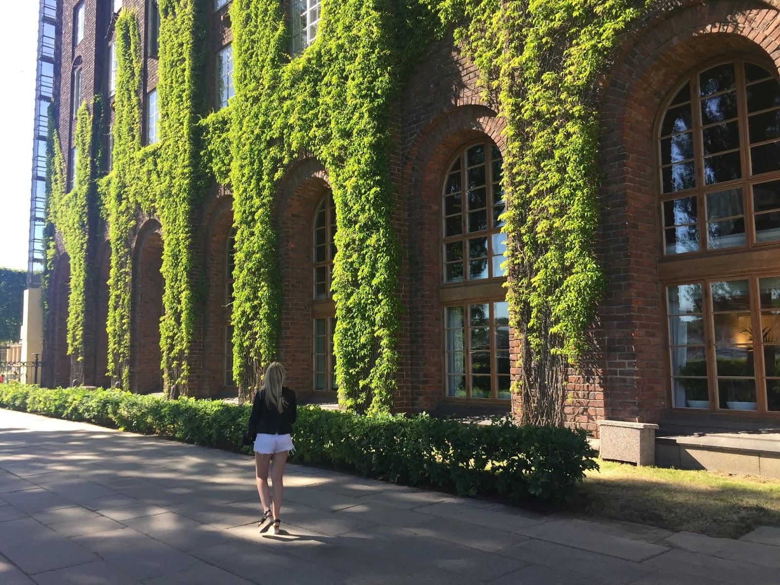 Prefeitura de Estocolmo na Suécia durante o verão