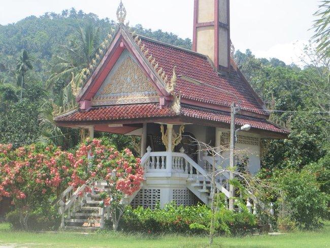 Крематорий на Самуи при храме