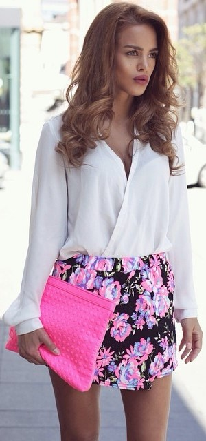 cute summer office sty;e outfit: blouse + skirt + bag