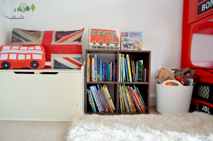 London themed kids bedroom, London bus room