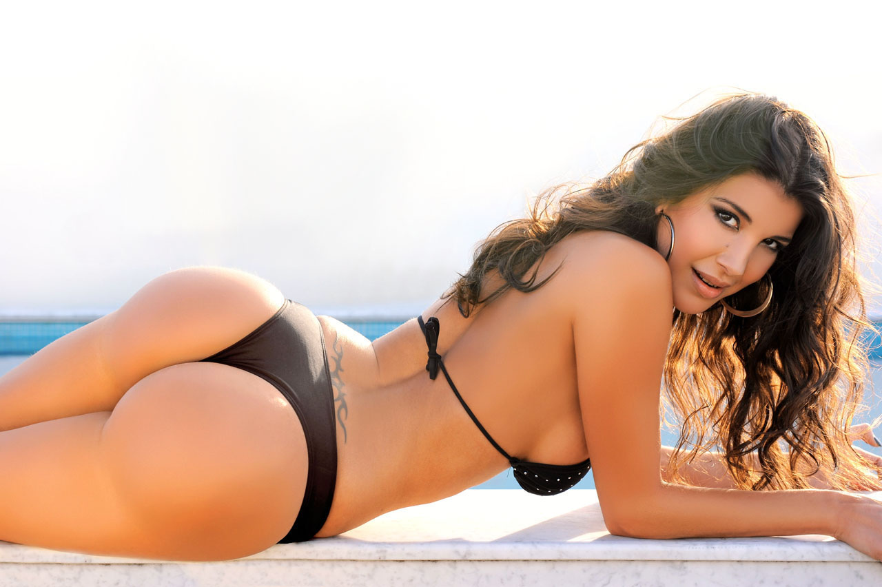 pretty latin women