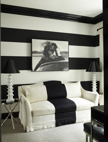 BOISERIE & C.: Love black & white stripes chairs & sofa