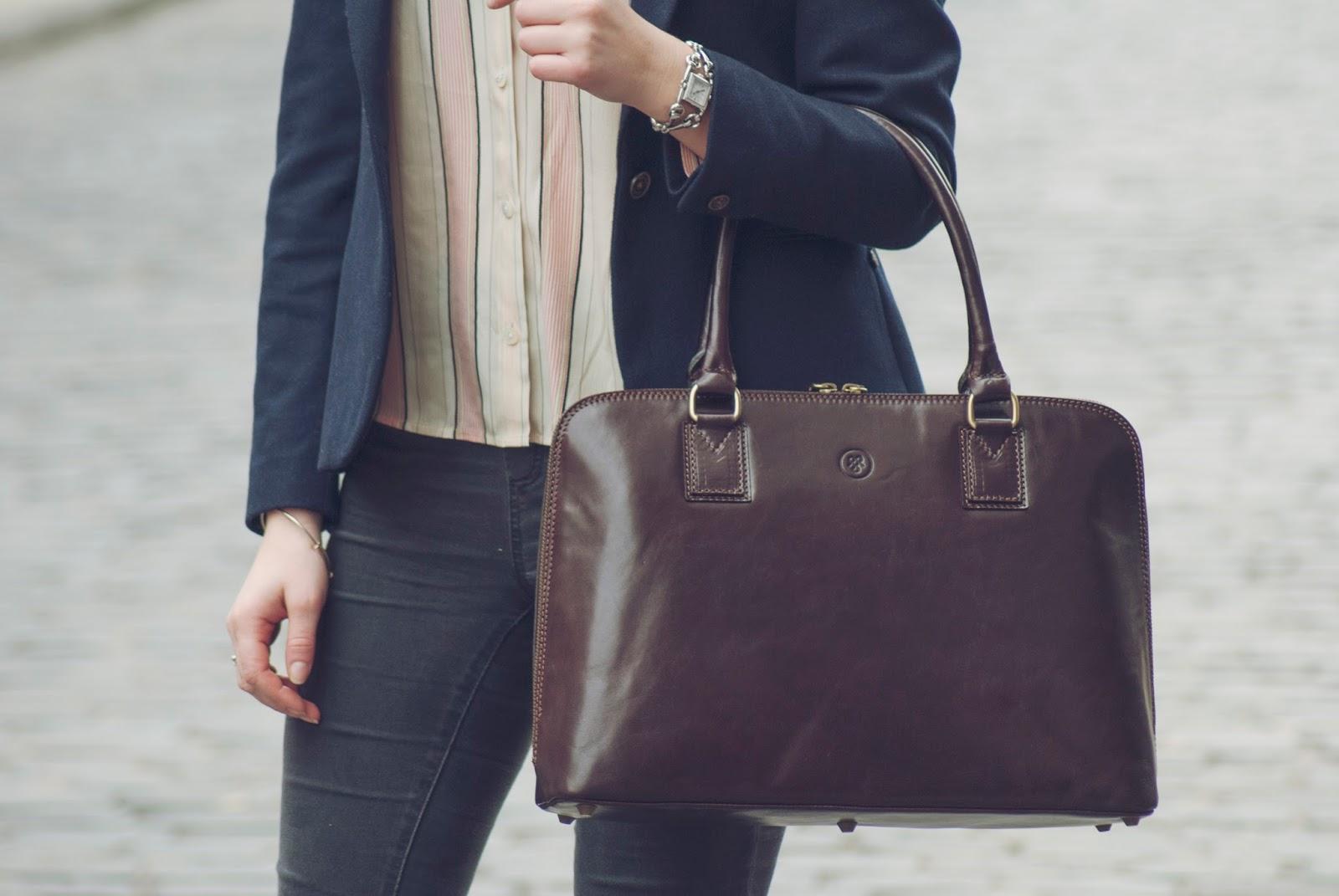 Namun perlu diperhatikan juga tentang pemilihan model tas yang akan dibeli. Tas  kerja wanita yang akan ... 353d1f3cd9