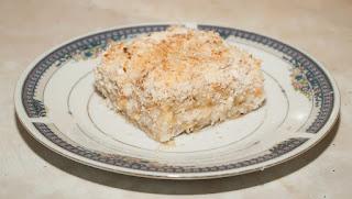Fogografija posnog kolača od jabuka i kokosa