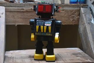 Jual Mainan Antik Robot Invader 80an