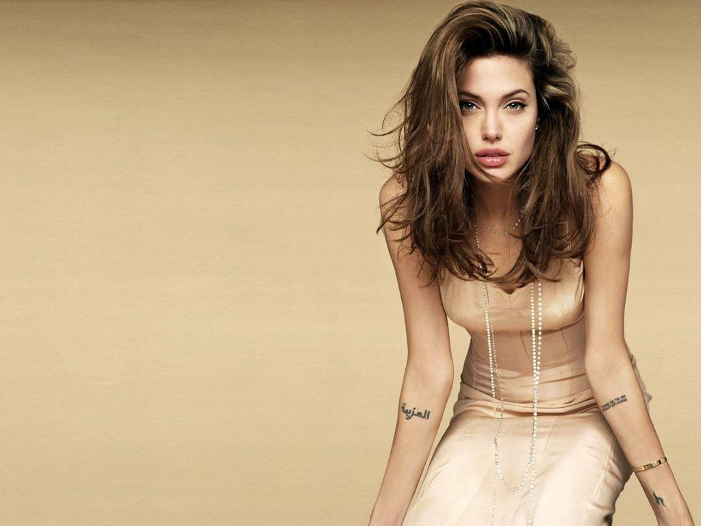 Angelina Jolie: Modelings: Desktop Wallpapers Of Angelina Jolie