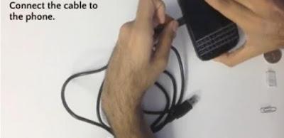 Cara Ngecharge HP Menggunakan Tubuh Manusia