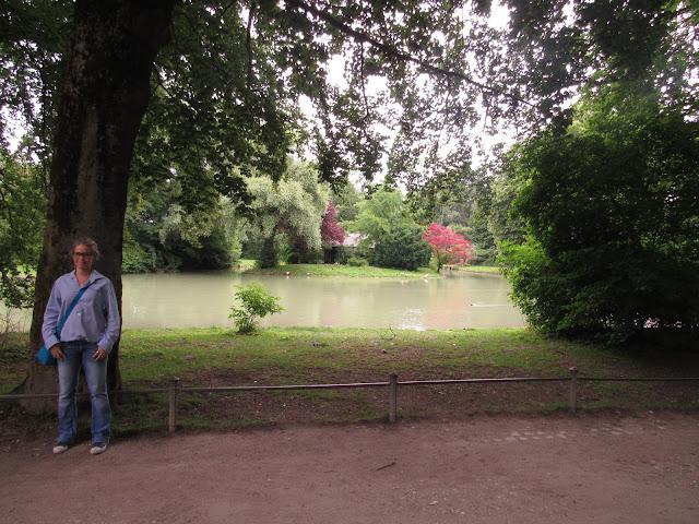 O Englischer Garten e o rio Eisbach O que ver em Munique Alemanha