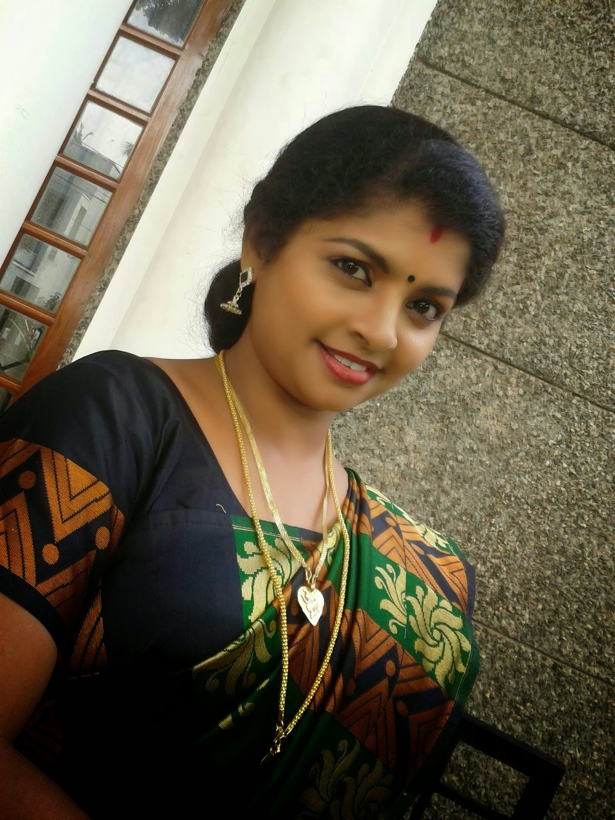 Kerala Actress Hot Navel Show In Saree 2014  Actress Rare -6650
