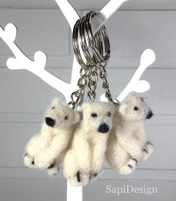 neulahuovutus avaimenperä jääkarhu SapiDesign