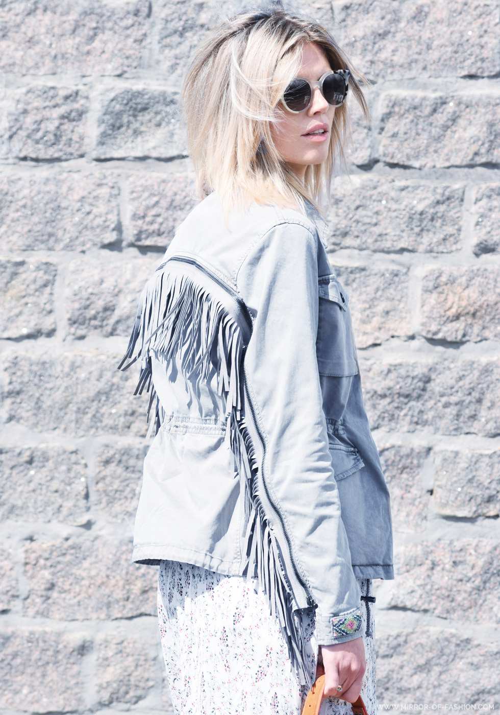 Moods, Blonde No.8, Swildens, Proenza Schouler, March23, Fendi, sunglasses, finges, midi dress