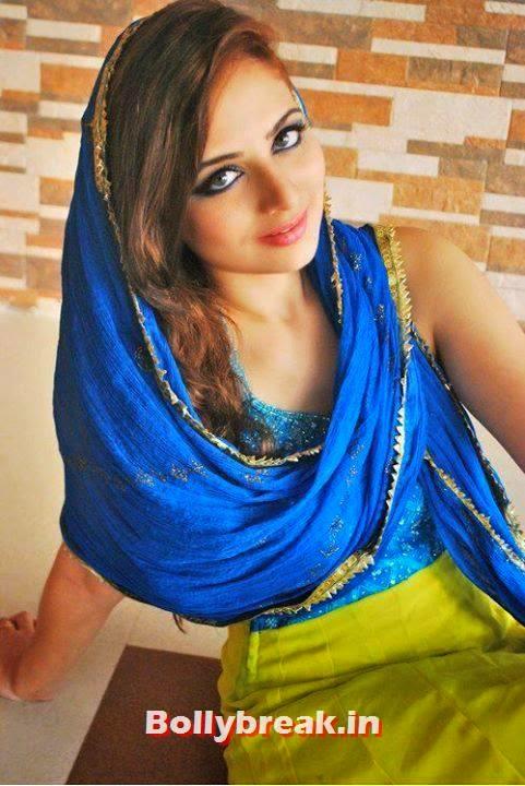 Zoya Afroz in muslim suit, Zoya Afroz Real Life Pics