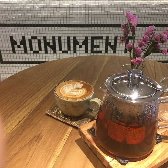 having coffee and tea at momument lifestyle