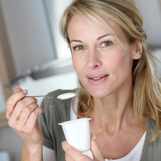 Eating yoghurt
