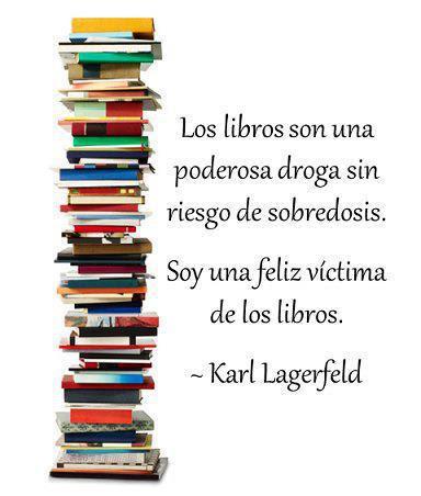 Meme de una cita de Karl Lagerfeld sobre los libros