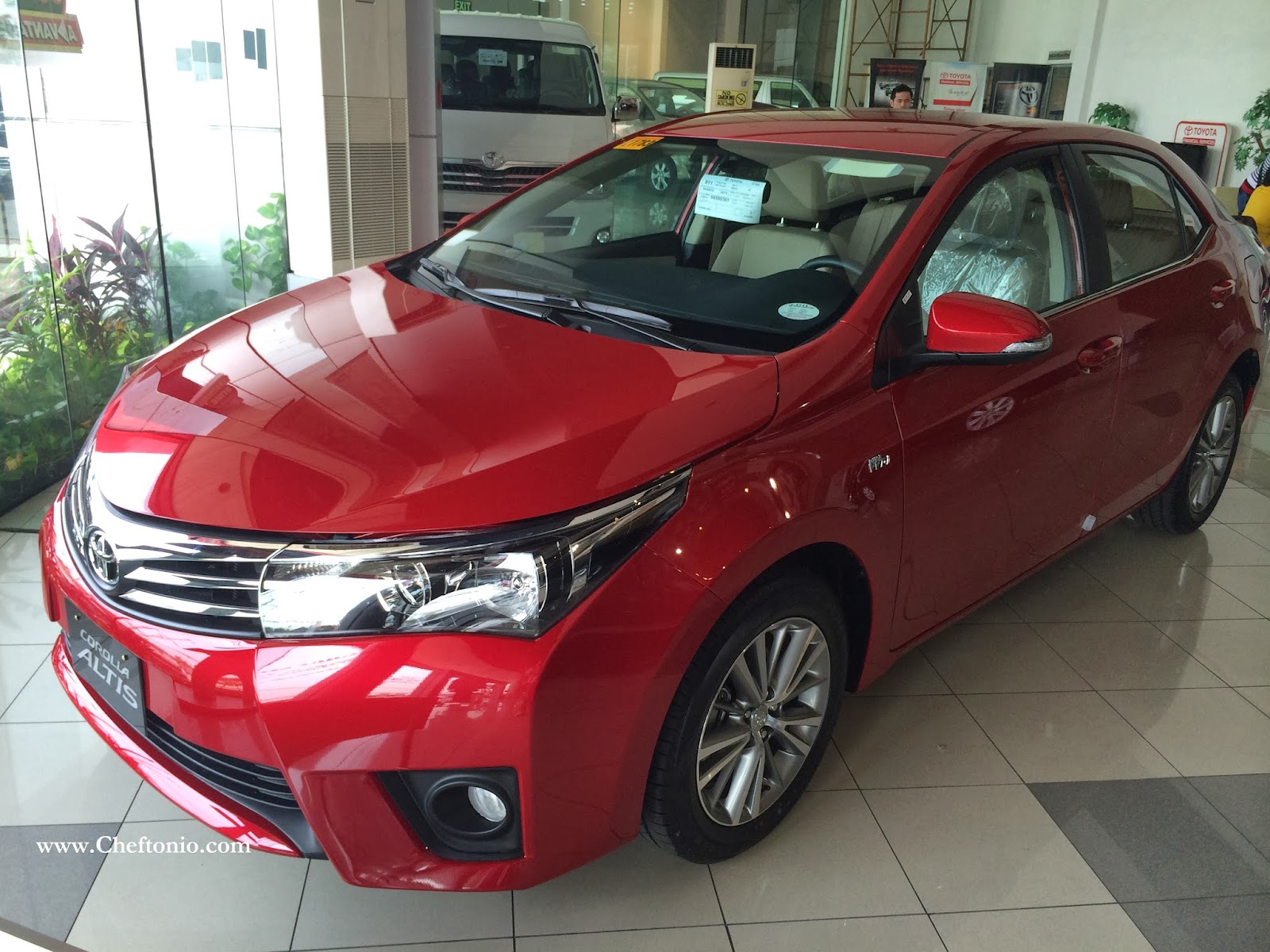 Toyota Corolla Altis 2014 Colors, Photos, And Price