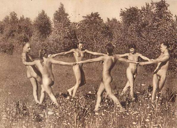 Free Garden Sex Pics 26