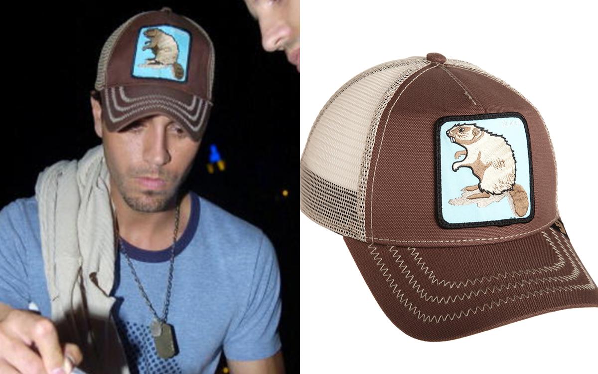 Desde que inició su carrera artística Enrique se ha caracterizado por  siempre traer consigo una gorra f4190edc68c
