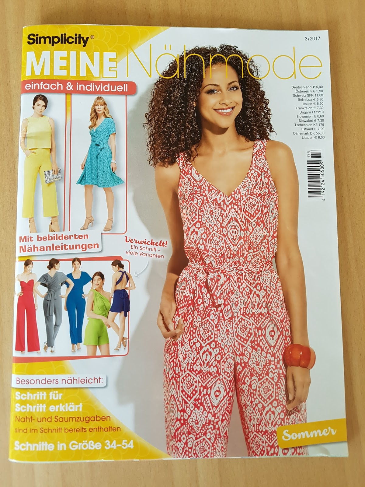 Monkeyroom: Simplicity patterns in a magazine