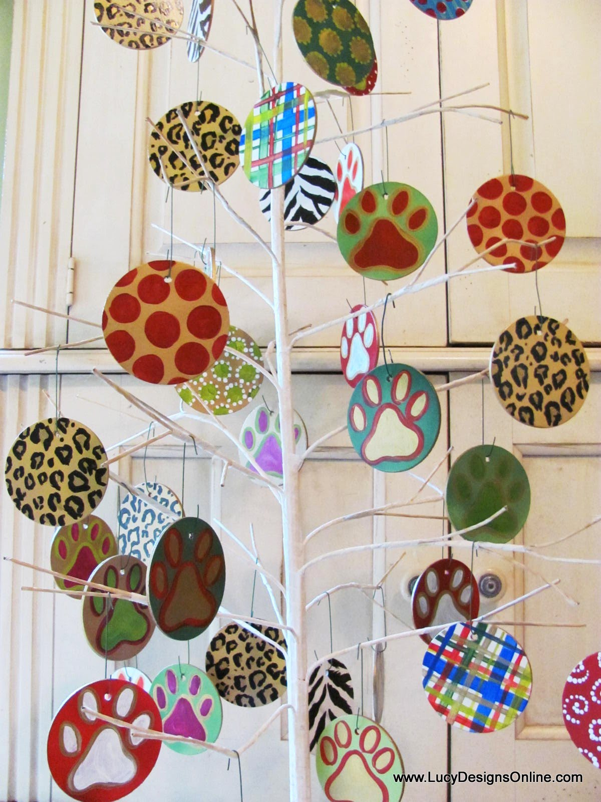 Hand Painted Wooden Christmas Ornaments For Pet Shop With Paw Prints Animal Print Dots And Stripes