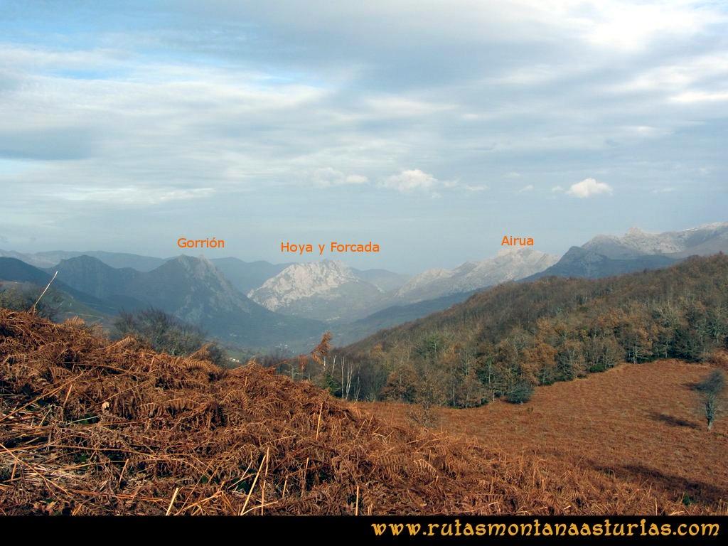 Cienfuegos, Cueto La Siete: Vista de los picos Gorrión, Forcada y Hoya y Airúa