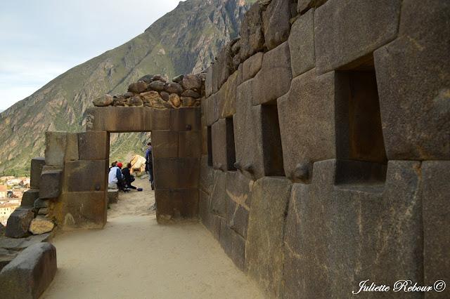 Ollantaytambo dans la Vallée Sacrée au Pérou