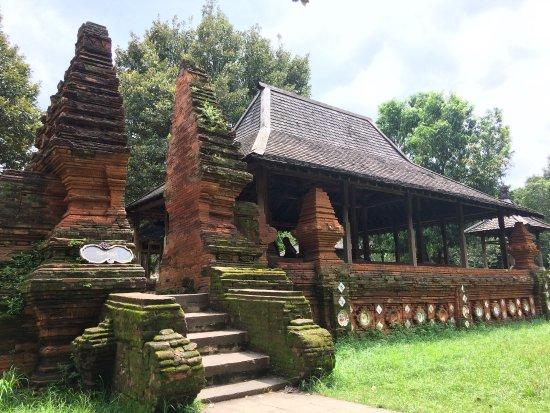 Sejarah Kesultanan Kasepuhan Cirebon