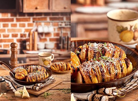 Pieczone ziemniaki Hasselback z pieczarkami i serem