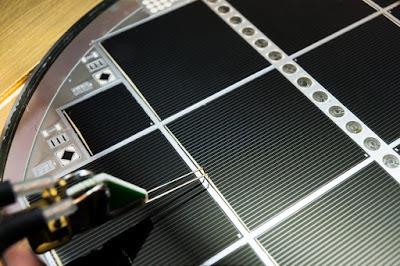 Nou rècord d'eficiència PV del 31,3% amb cèl·lules multiunió de silici