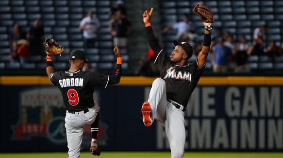Los guantes de Dee Gordon y Adeiny Hechevarría son parte de las piezas maravillosas del infield de Miami