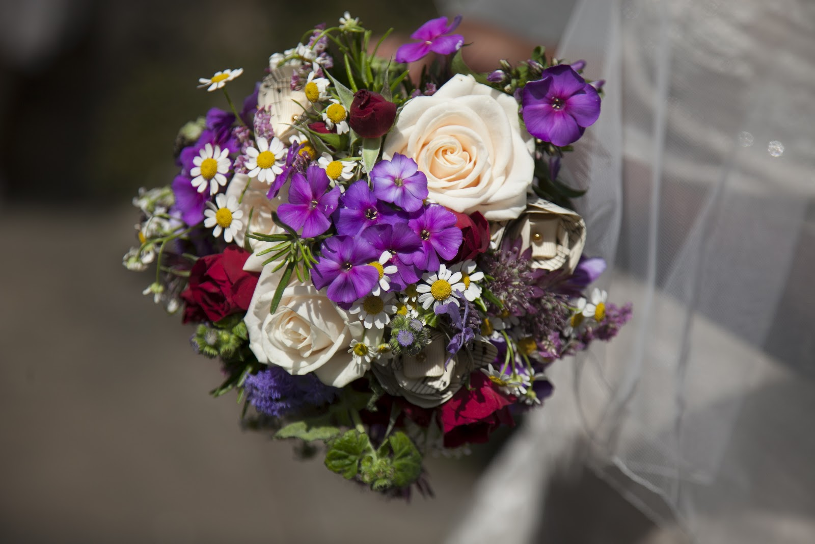 Fabia Turner: Wedding Flowers on the Cheap!