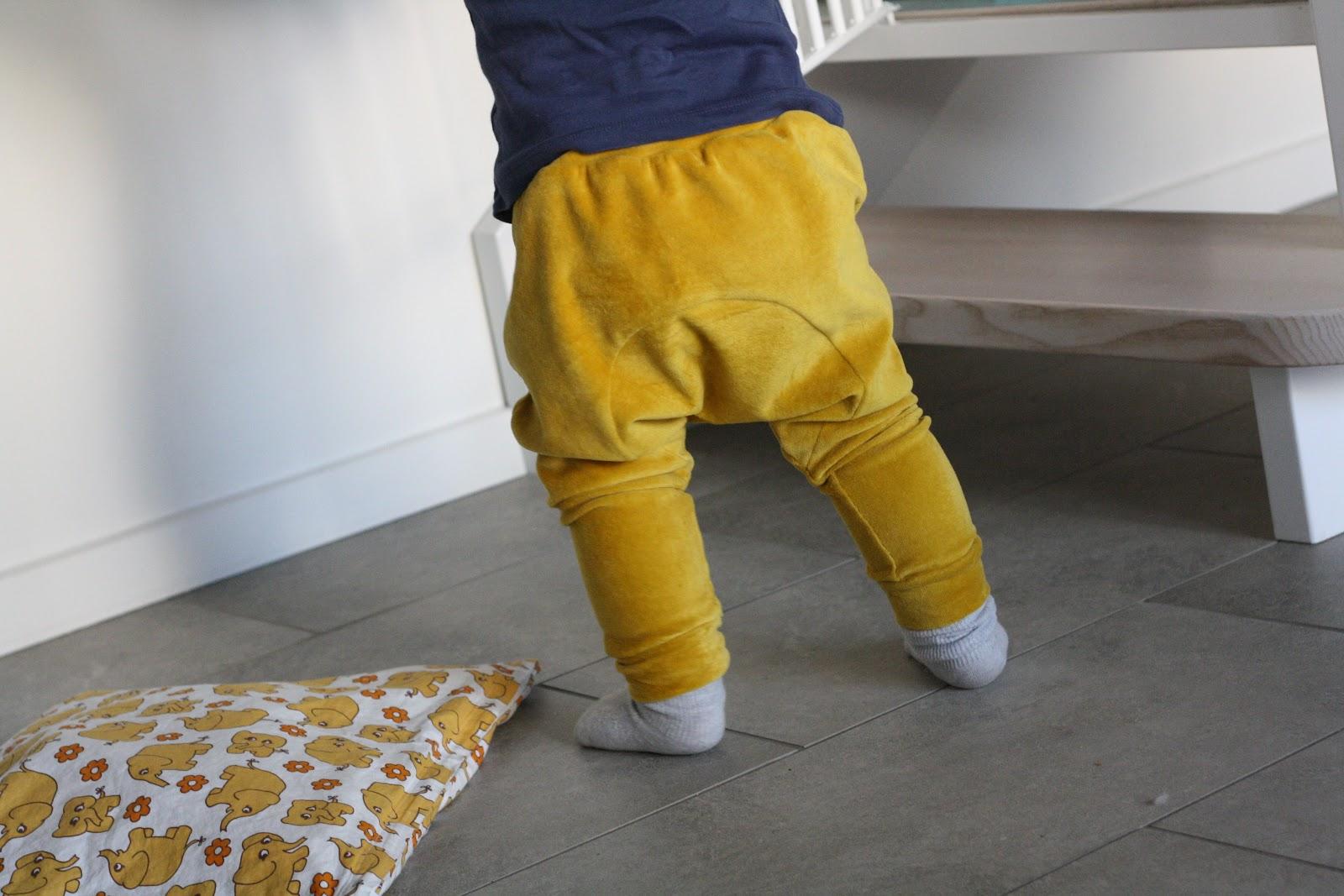 karrygule bukser