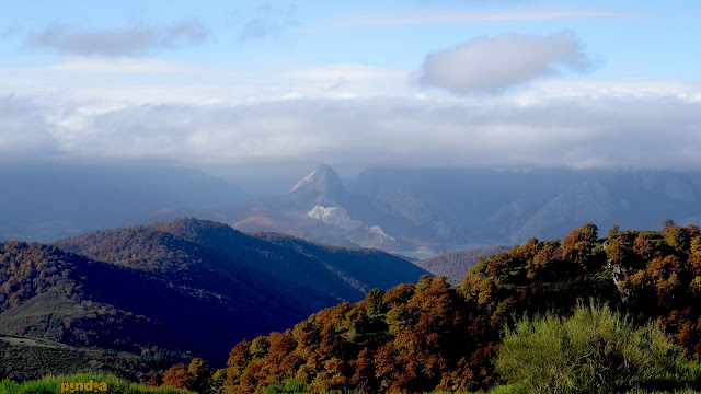 Una mirada al Pico Gilbo desde el cordal de la Sierra de Hormas