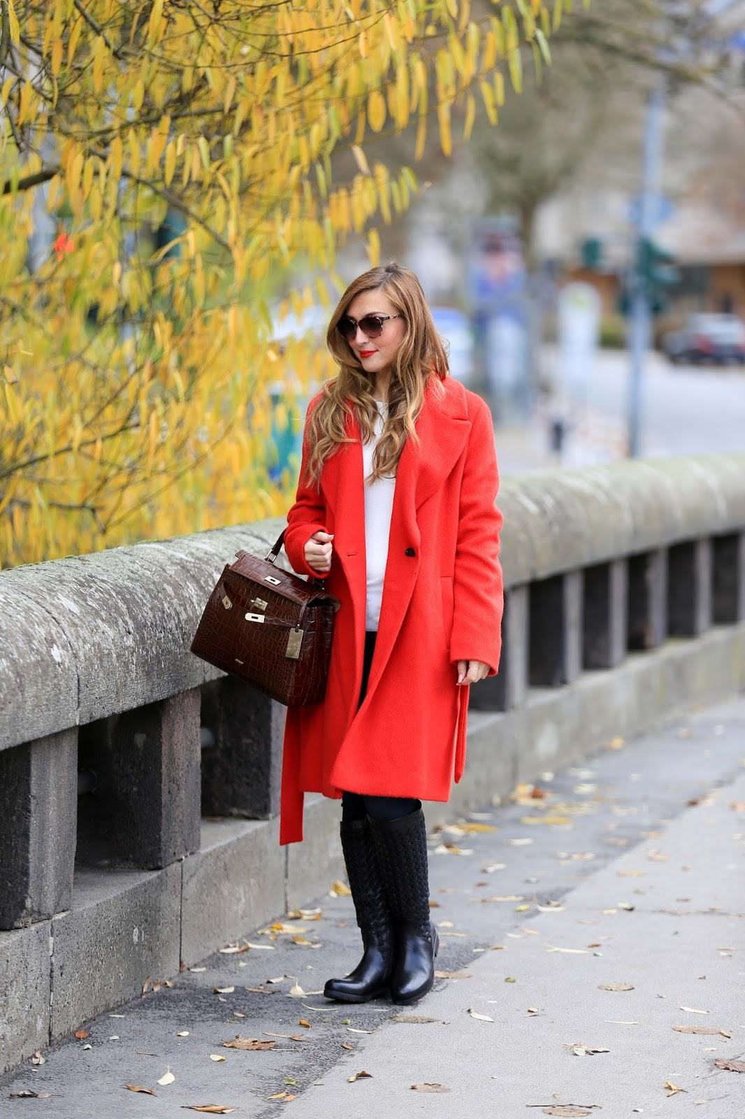 Fashionblogger-aus-deutschland-Lifestyleblogger-Gerry-Weber-Winterjacke-rote-Jacke-kombinieren-wie-kann-man-rote-schuhe-kombinieren-Picard-Weimar-Tasche